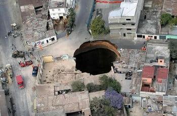 Guatemala-Sinkhole-350x229